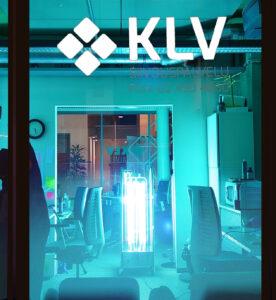 UV-valolla toimistotilan desinfiointi